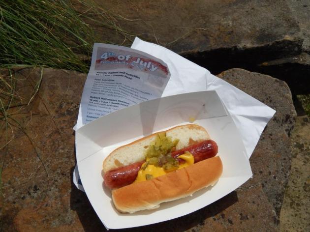 7-4-2013 Cantigny -1 hot dog
