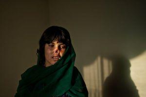 lynsey-addario-afghanistan-women-law-1_76403_600x450