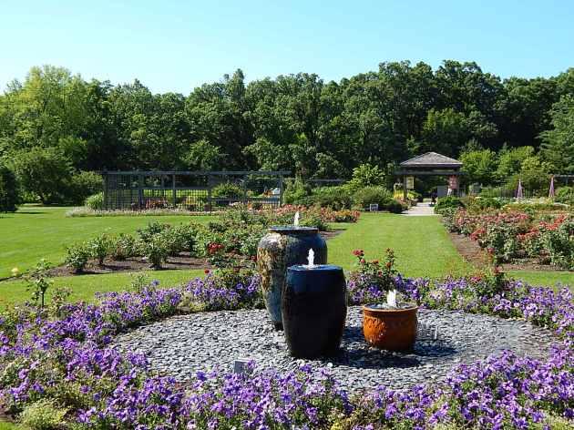 fountains facing idea Garden