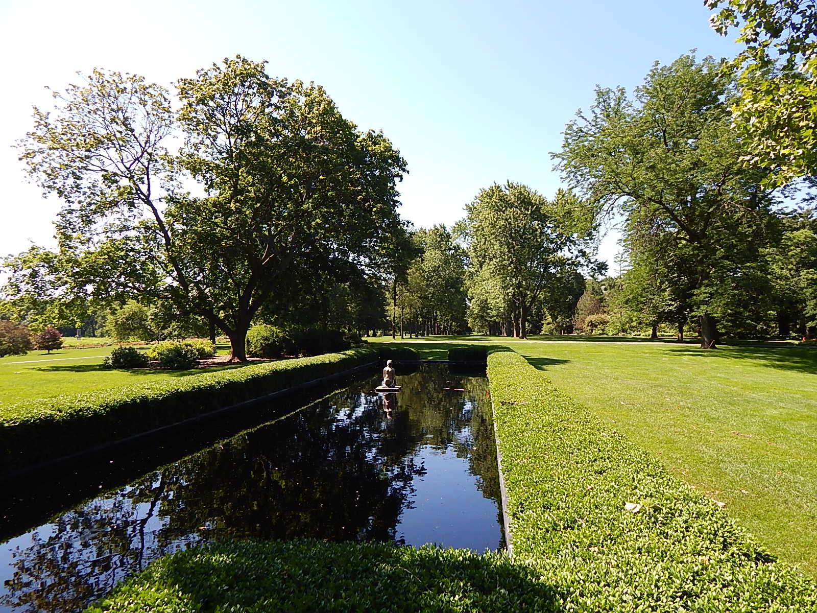 reflection pool McCormick mansion 7-4-2014