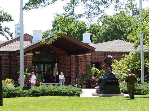 Cantigny Entrance 7-4-2014