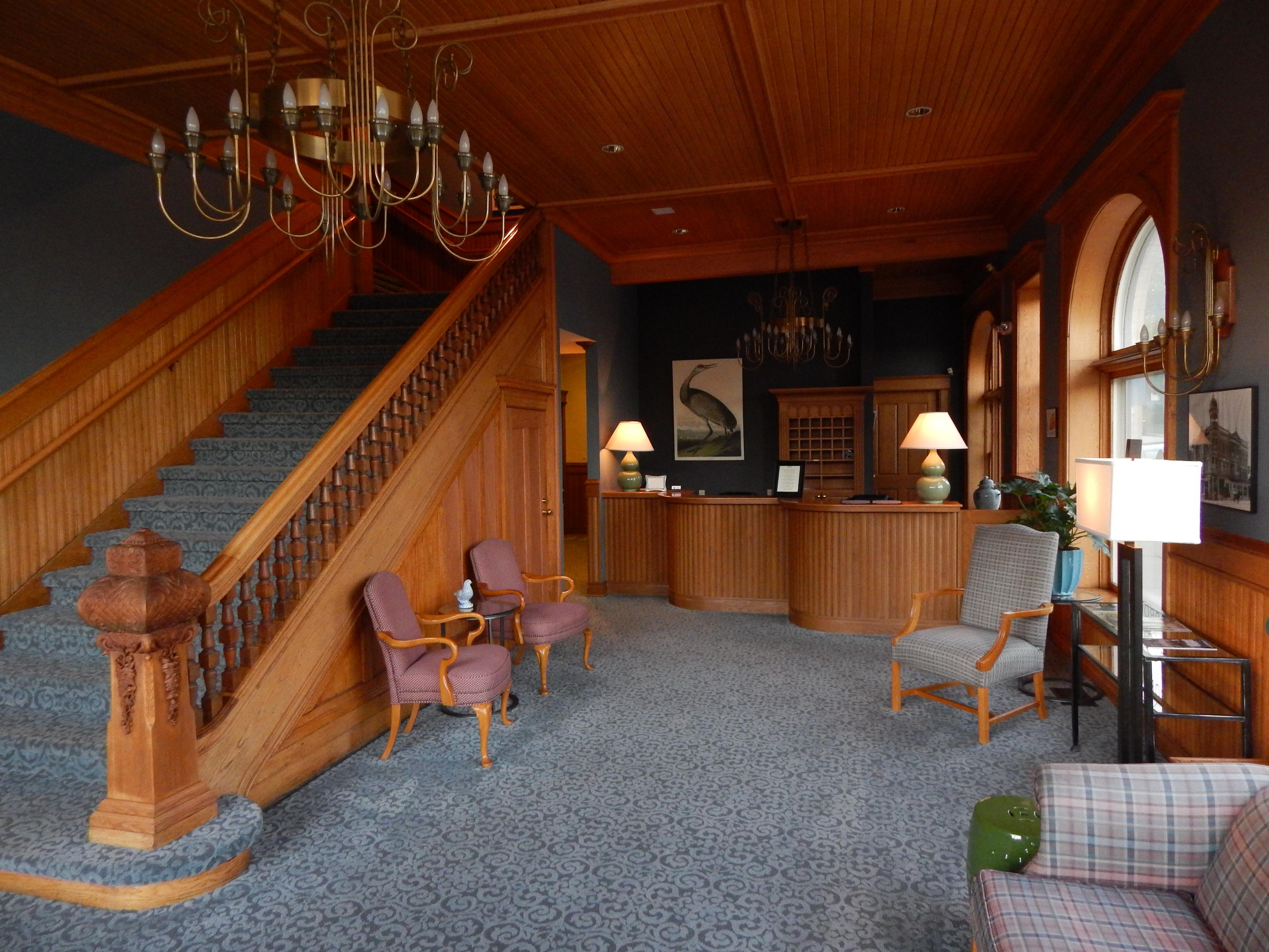 audubon-inn-lobby-ann-johnson-kingdom-venturers